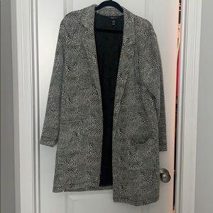 Long white/black blazer